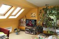 Podkroví obývací pokoj