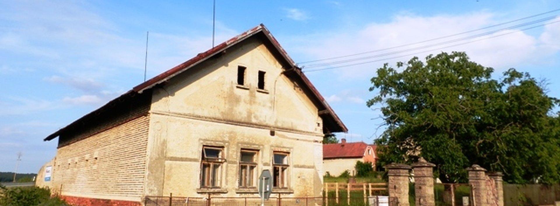 Perspektivní dům v obci Chýšť, pozemek 1249 m2, Ev.č.: N47341