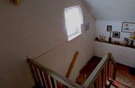 N47395_chodba v patře