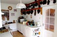 N47395_v kuchyni