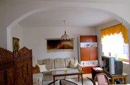 N47395_obývací místnost