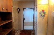 N67398_chodba z pokoje na ložnici