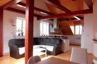 obývací prostr s kuchyní