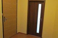 N47429_chodba do pokoje,z bytu