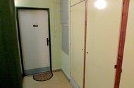 N47431_skříně na chodbě