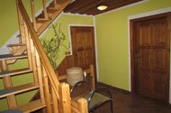 N47491-dřevěné schodiště