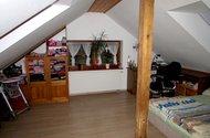 N47491_podkrovní pokoj