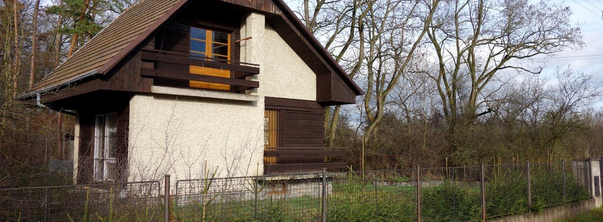 Zděná chata v Neratově (Lázně Bohdaneč), 573 m², Ev.č.: N47524
