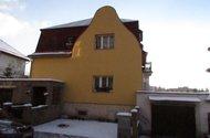 N47552_dům z ulice_garáže