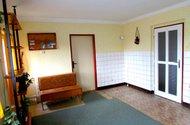 N47568_kuchyň  vpatře vchod do OP a chodbu