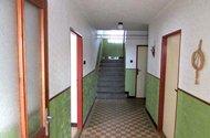 N47568_chodba, vstupy do místností