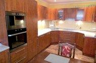 N47641_kuchyň, pohled od okna