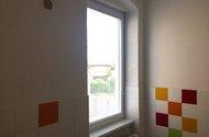 N47675_okno v koupelně