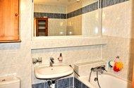 N47686_koupelna patro