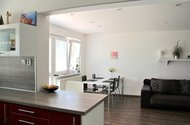 N47686_kuchyně k jídelně