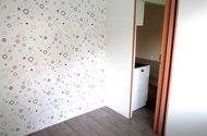 N47749_ložnice vstup do pokoje
