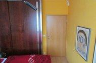 N47765_ložnice, vchod do předsíně