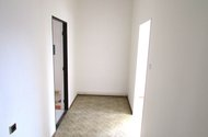 N47675_předsíň vstup do ložnice a koupelny