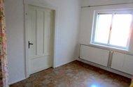 N47810_ložnice,vchod do pokoje.