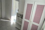 N47810_kuchyň, vchod do dětského pokoje