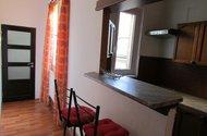 N47669-kuchyňský kout,dveře do koupelny