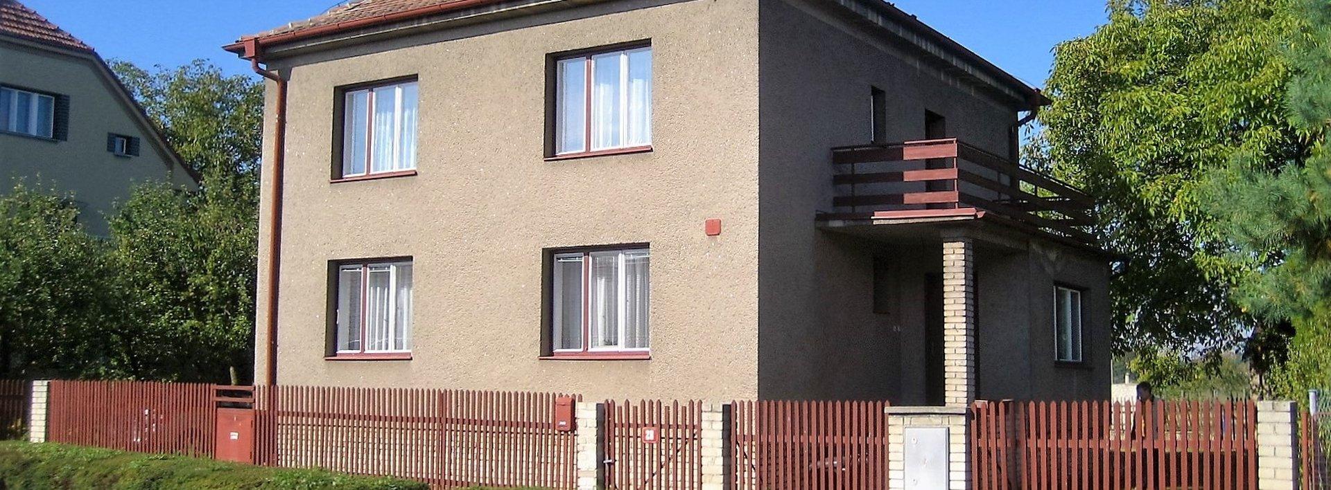 Rodinný dům 5+1 s pozemkem 2769 m² - Lázně Bohdaneč, Ev.č.: N47864