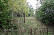 Pohled ze zahrady na vedlejší pozemek