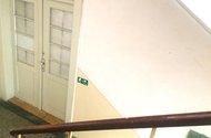 N47883_vchodové dveře z hlavní chodby