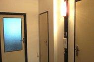 N47886_chodba do kuchyně, na wc a koupelny