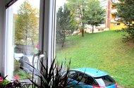 N47886_výhled z kuchyně a ložnice