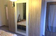N47887_pokoj dveře do kuchyně i chodby