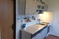 N47887_Kuchyň do chodby