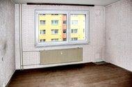 N47893_obývací pokoj