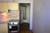 N47931_z kuchyně do chodby