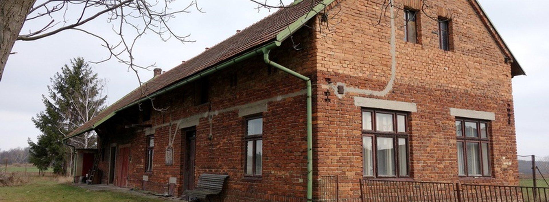 Zachovalý dům na konci obce Kasalice 2595 m2, Ev.č.: N47985