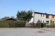 N48017_dům z ulice