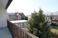 N48017_balkony