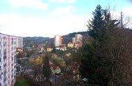 N48027_výhled z okna