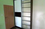 N47749_šatní skříň