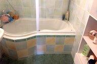 N48073_koupelna s vanou
