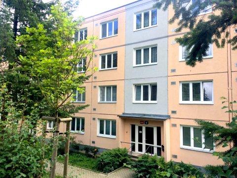 Prodej bytu 3+1 se zasklenou lodžií v původním stavu - Liberec, Aloisina Výšina - Králův Háj