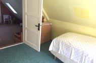 N48127_průchozí pokoje