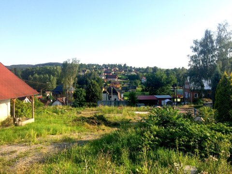 Koupě stavebního pozemku se stodolou ve Vratislavicích / prodej bytu 3+KK s balkonem ve Vratislavicích