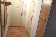 N47809_chodba ke vchodu
