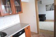 N47978_z kuchyně do pokoje