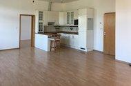 N48757_bývací pokoj_kuchyně