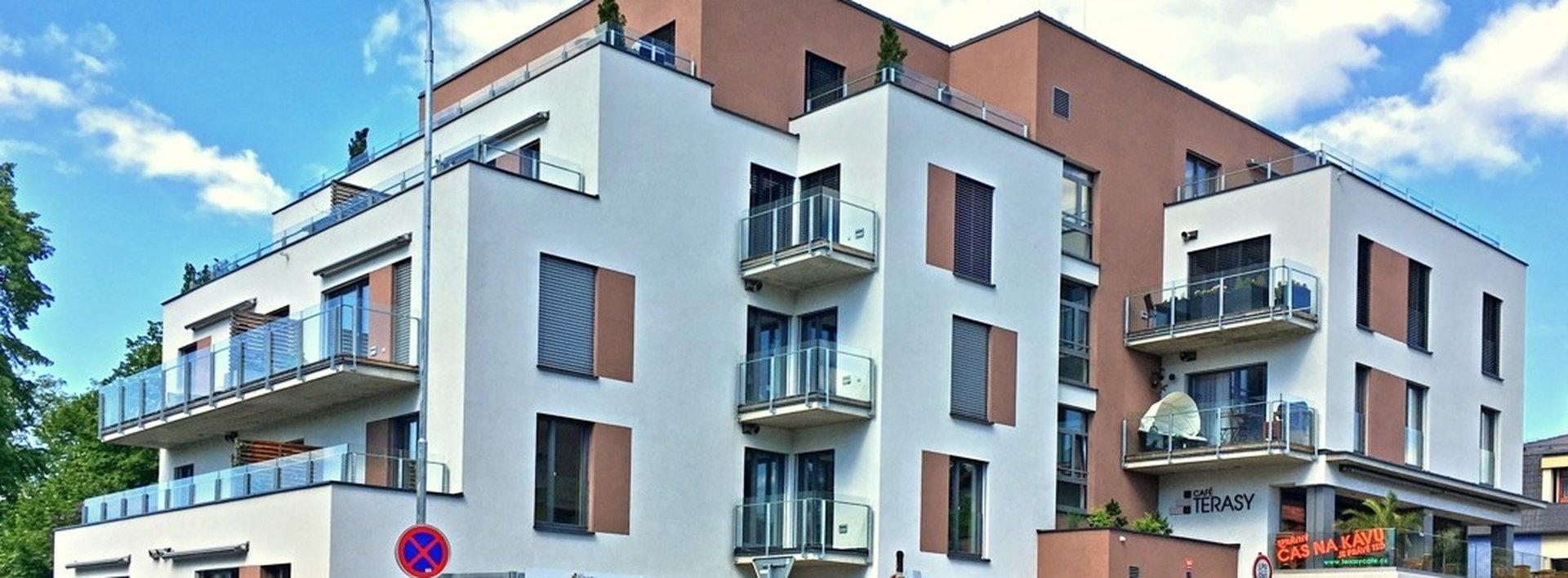Pronájem nadstandardního kompletně vybaveného bytu 2+kk se šatnou, 44 m² a terasou 52 m², Ev.č.: N49200