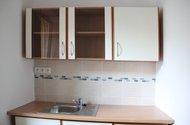 N48256_kuchyně_linka