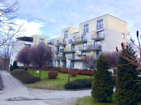 Podnájem bytu a garáže - Liberec. ul. Hedvábná