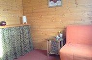 N48349_vnitřek chaty